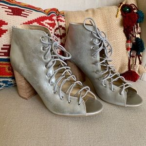 NEW CHINESE LAUNDRY 'Biggest' Lace-Up Bootie 8.5